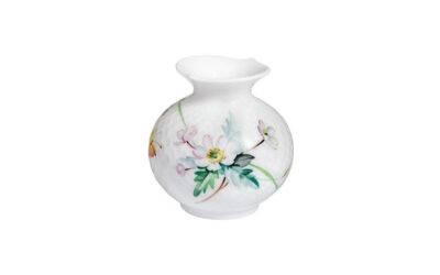 Vase mit Relief